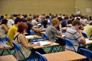 In 2014 intri la facultate doar cu examen de admitere