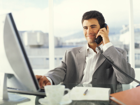 Cum sa ne imbracam la birou – sfaturi si ponturi