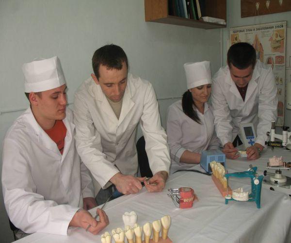 Programul de facilitare a inserției pe piața muncii a studentilor medicinisti – Ovidius / Constanta