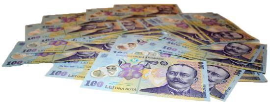 Carduri pentru studii și credite bancare pentru studenții din România