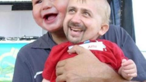 Bebelusul si tatal lui
