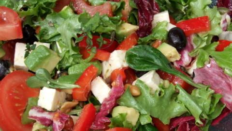 Retete simple: salata de vara