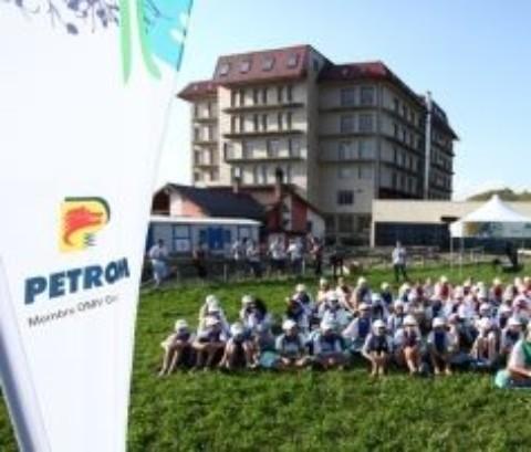 Proiectul Petrom – Tabara din Tara lui Andrei – s-au inscris peste 4000 de elevi