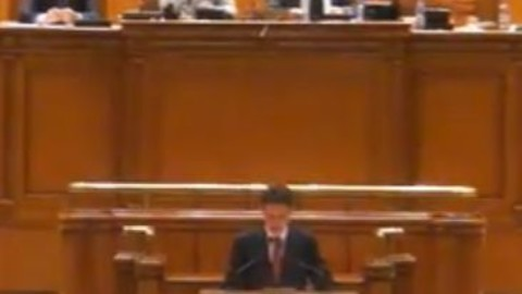 Traian Basescu e suspendat din functia de presedinte al Romaniei