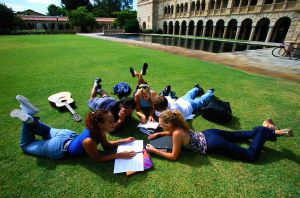 Cum poti studia si lucra in alta tara! Inscrie-te in programul Erasmus
