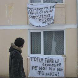 Numărul de locuri disponibile în căminele universităţilor din Bucuresti, insuficiente pentru toţi studenţii care solicită un loc de cazare