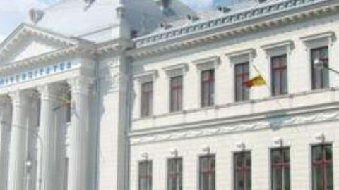 Universitatea din Craiova – începutului noului an universitar 2012 – 2012, participa Înalt Preasfinţitul Părinte Irineu, Mitropolitul Olteniei