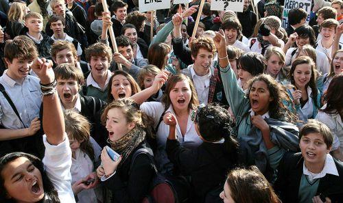 Studentii vor ca bursele de merit sau cele sociale să fie oferite pe tot parcursul anului