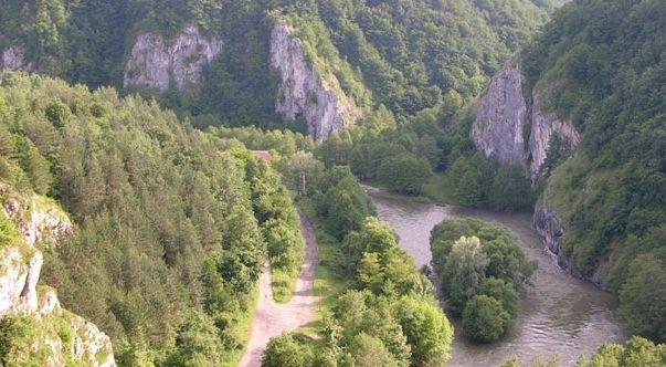Un loc frumos la munte - o minunată zonă de vacanţă in Romania
