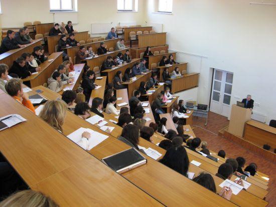 Cei mai inteligenţi studenţi din lume sunt din...