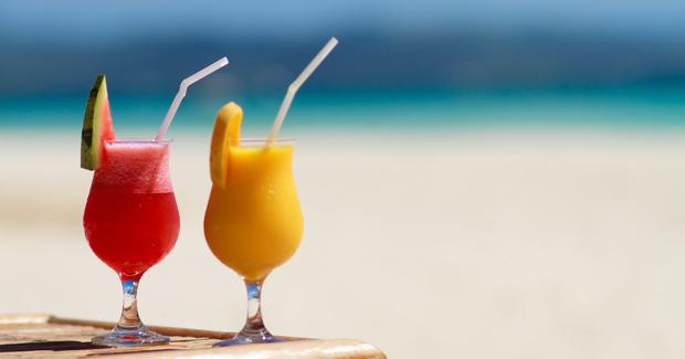 Iata de ce ar trebui sa consumi un cocktail cu fructe in fiecare zi!