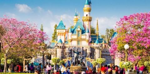 Destinatii unice pentru Revelion 2018: petrece anul nou la Disneyland si vei avea o vacanta de poveste