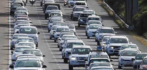 Traficul auto de sărbători - sfaturi utile ca sa trecem cu bine peste aglomerația dinainte de Revelion