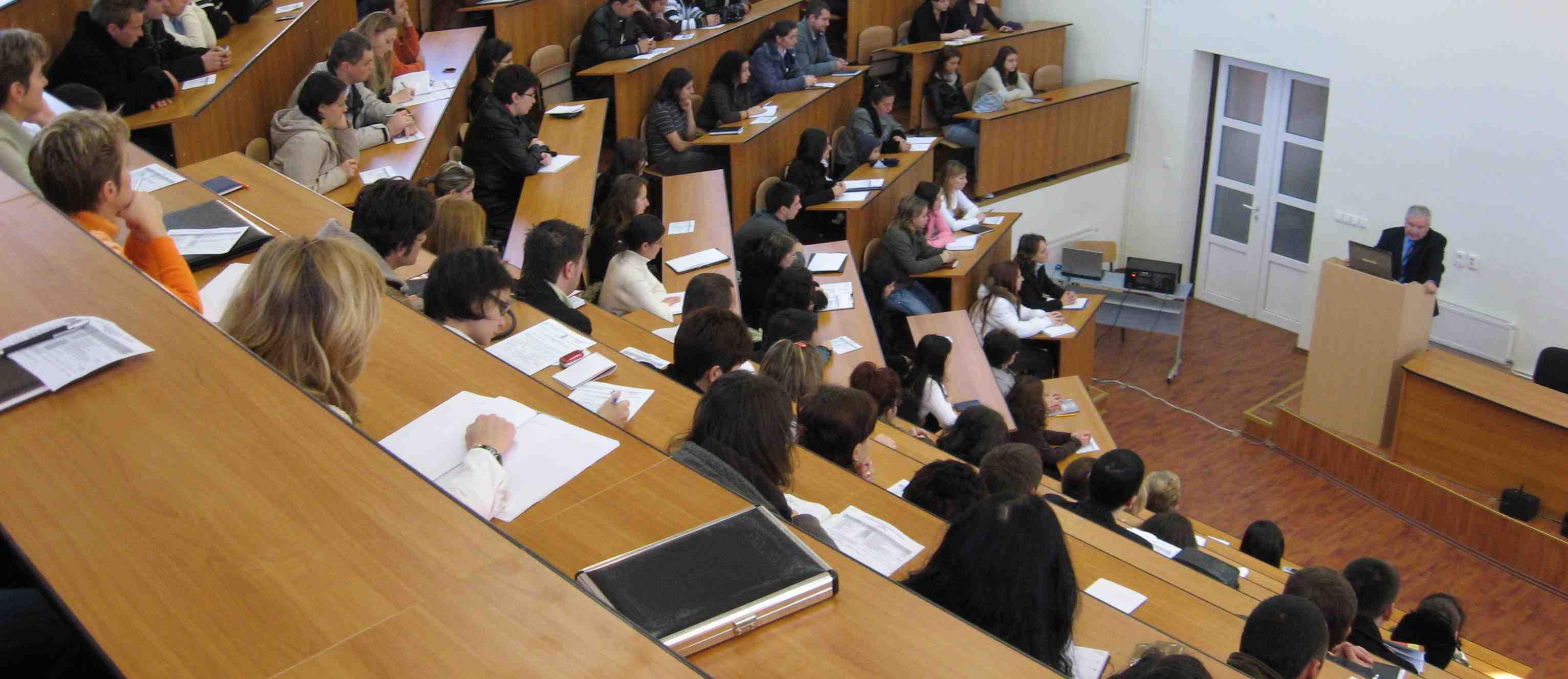 Studentii ne intreaba: Ce pot face reprezentanţii studenţilor în Consiliul Facultăţii