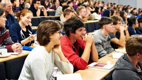 Cand incep facultatile studentii ?  Programul complet al anului universitar in 2019