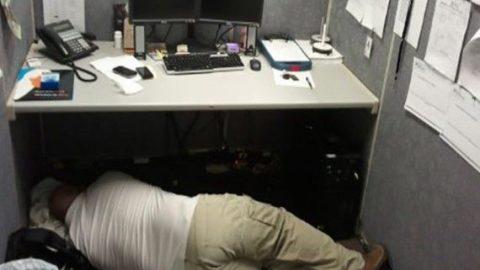 Iata cele mai amuzante scuze atunci cand teau prins dormind la serviciu